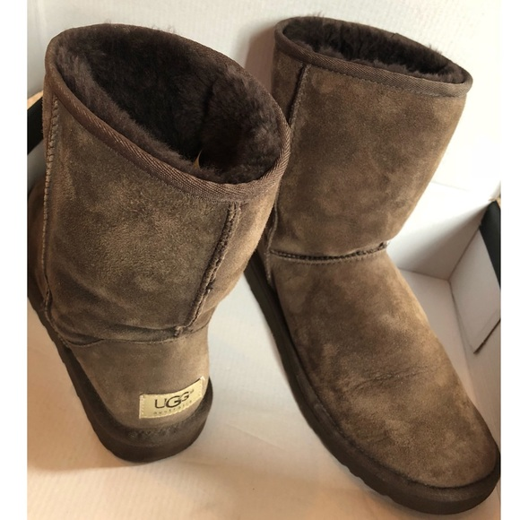 Medium height Brown UGGS Authentic Size 8